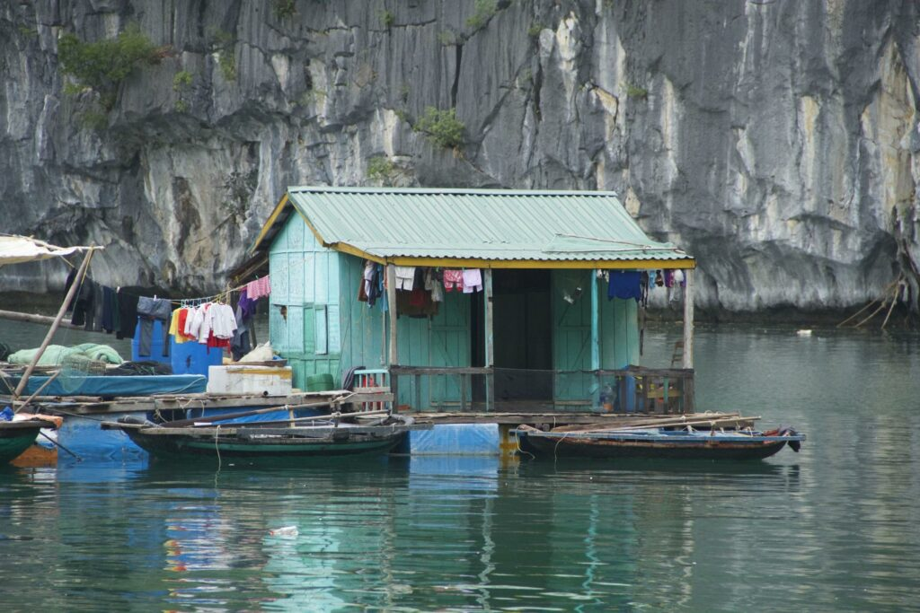 a floating house - how to become a travel blogger