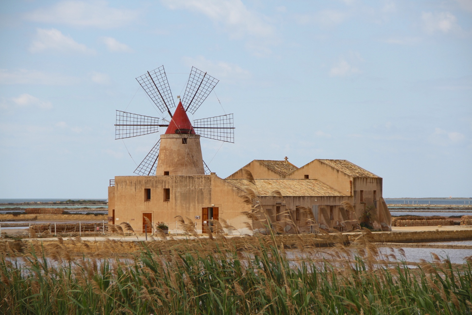 windmill off marshes and how to become a travel blogger